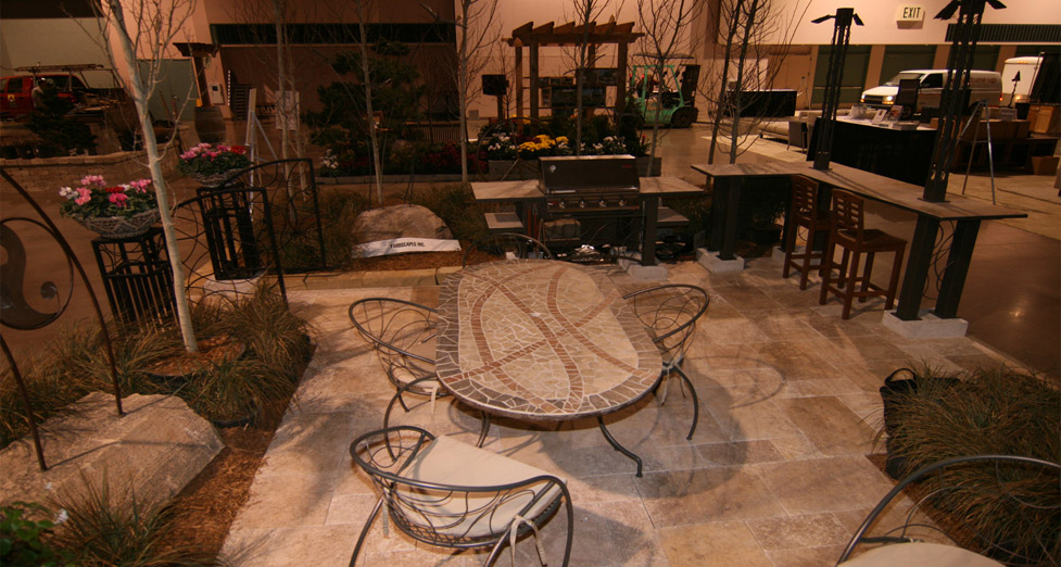 2010 Midwest Home Best Booth Award Patio Seating