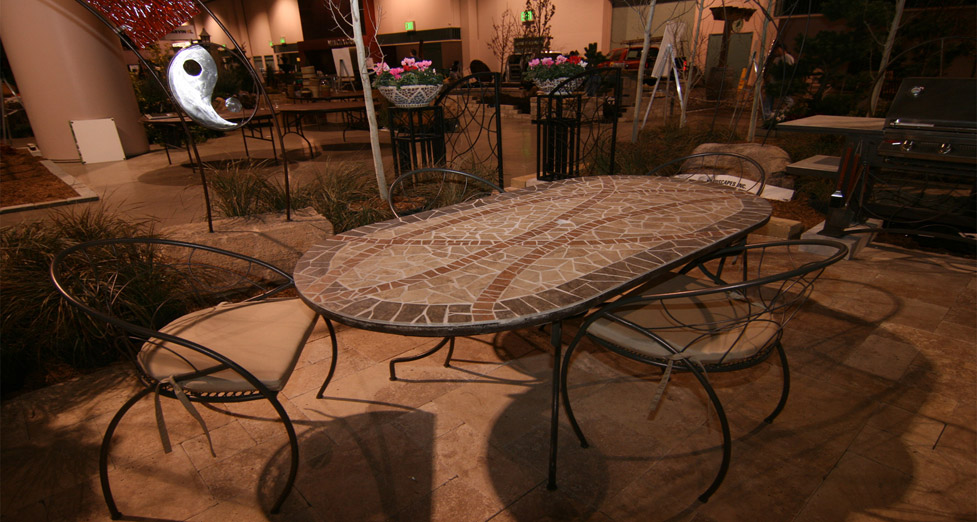 2010 Midwest Home Best Booth Award Patio