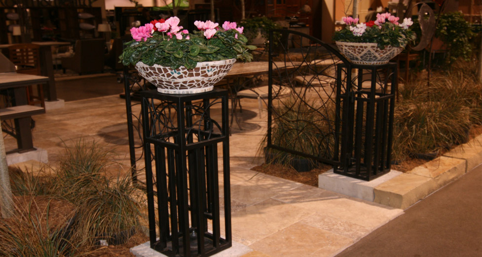 2010 Midwest Home Best Booth Award Planters