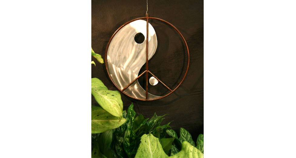 "Metal/Aluminum Wall Hanging - 24"" Round"