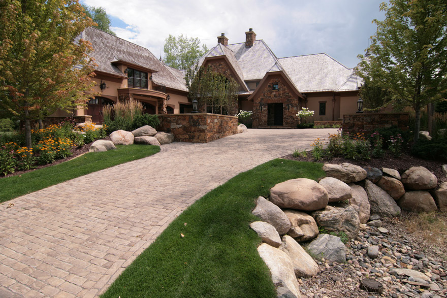 Driveway Design and Front Entry Lansdcaping Wayzata, MN
