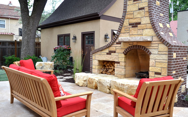 Patio and Backyard Entertaining Area Design