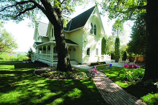 Historic Stillwater Minnesota Remodel Landscaping_Side Patio and Walkway