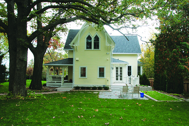 Historic Stillwater Minnesota Remodel Landscaping_Side Patio and Walkway1