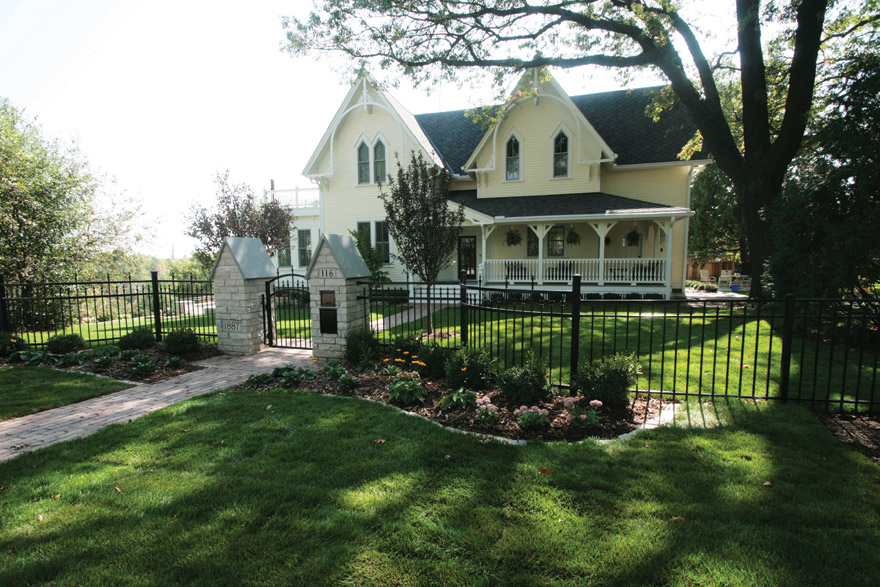 Curved Fencing Design in Stillwater, MN