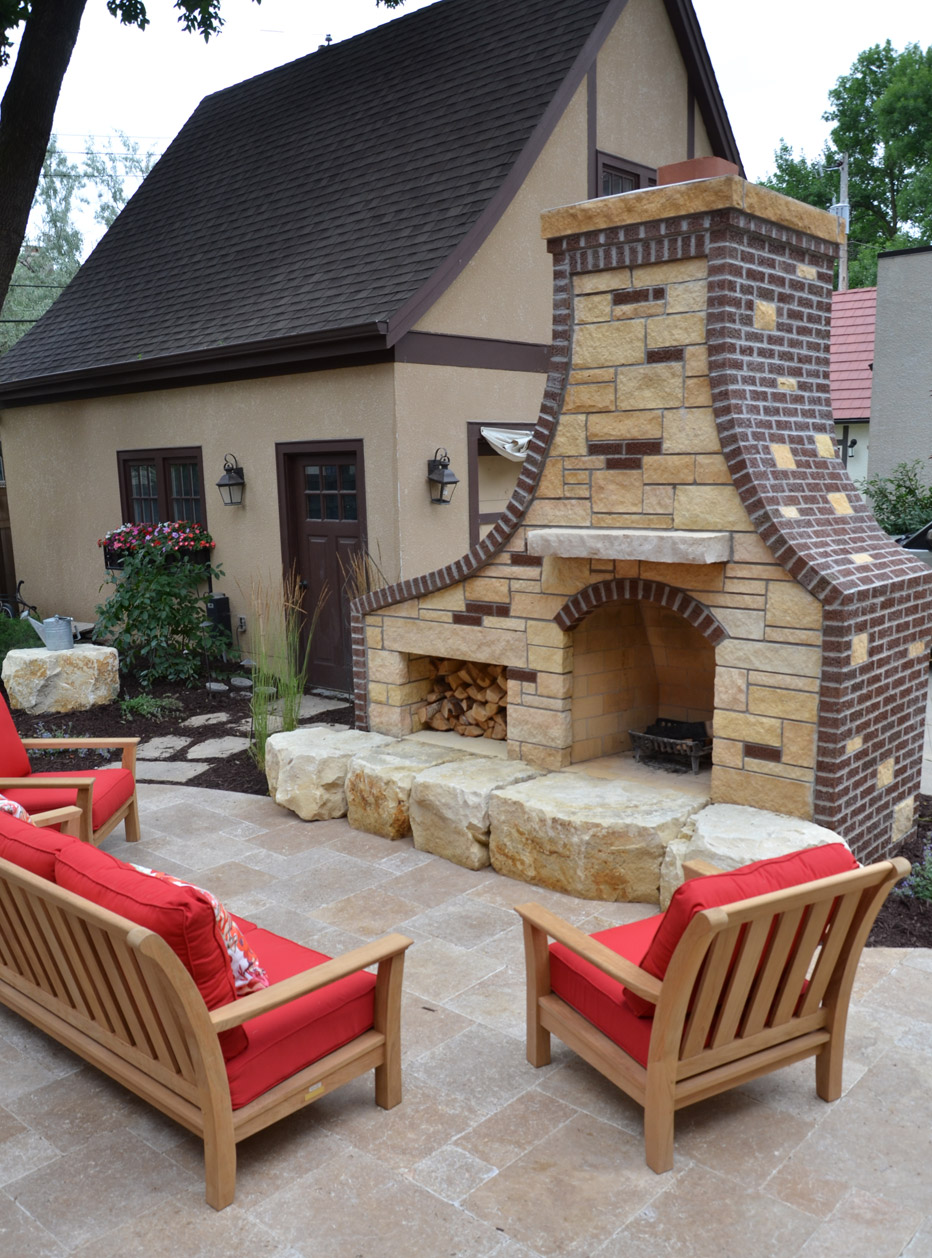 Woodburning Vertical Outdoor Fireplace