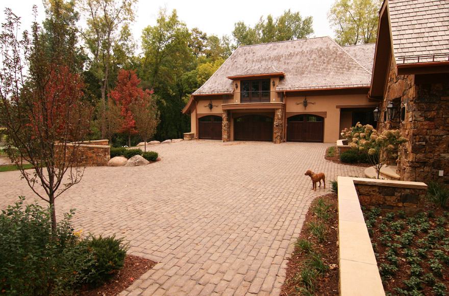 Auto Court and Front Entry Lansdcaping Wayzata, MN