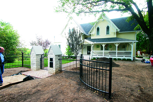 Historic Stillwater Minnesota Remodel Landscaping_Front Entry Metal Curved Fencing