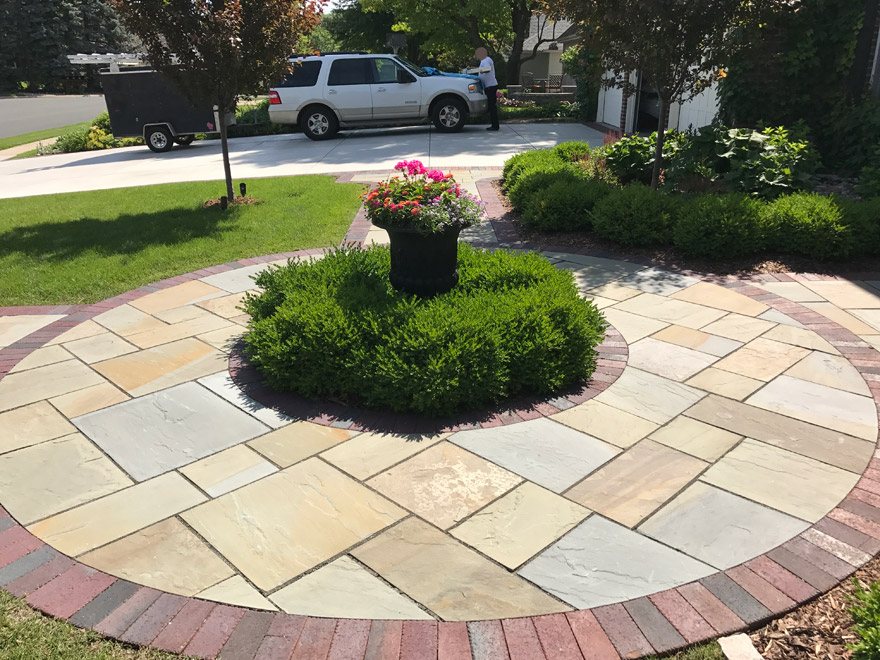 Circular Bluestone with Clay Paver Border