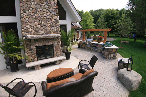 Yardscapes River Rock Outdoor Kitchen and Fireplace Orono Minnesota
