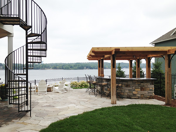Yardscapes Outdoor Kitchen overlooking Prior Lake Minnesota