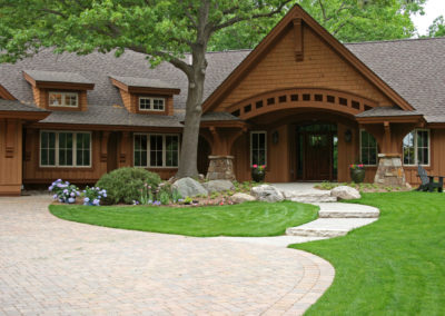 Paver Curved Driveway with Apron