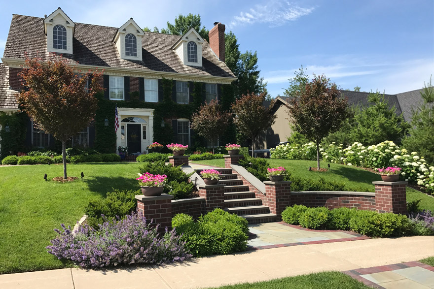 Front Entry Landscaping in Minneapolis-St. Paul