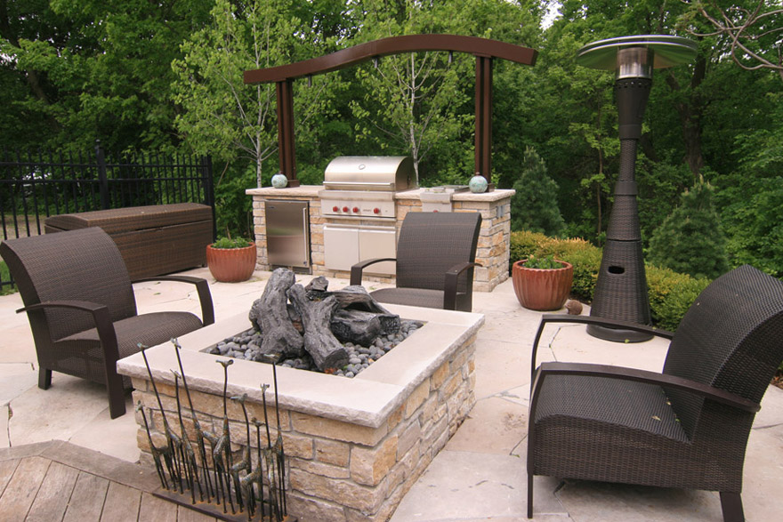 Outdoor Kitchen Design and Construction in Minneapolis-St. Paul