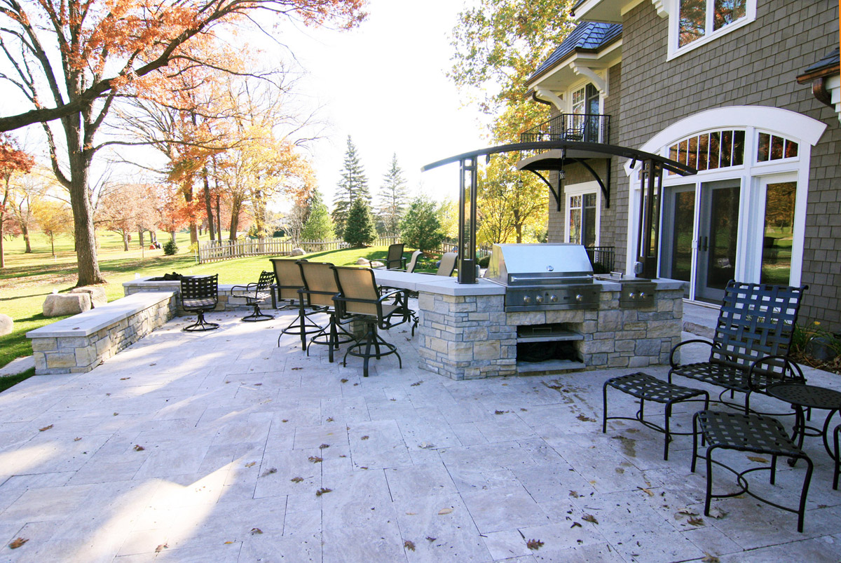 Outdoor Kitchen and Patio in Edina, MN