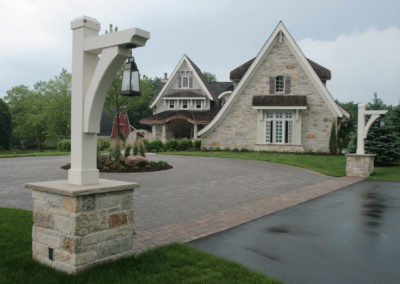 Paver Turn-Around Driveway in a Variety of Paver Tones