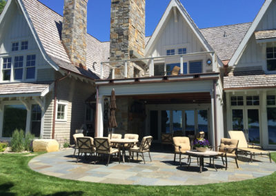 Bluestone Curved Patio for Entertaining