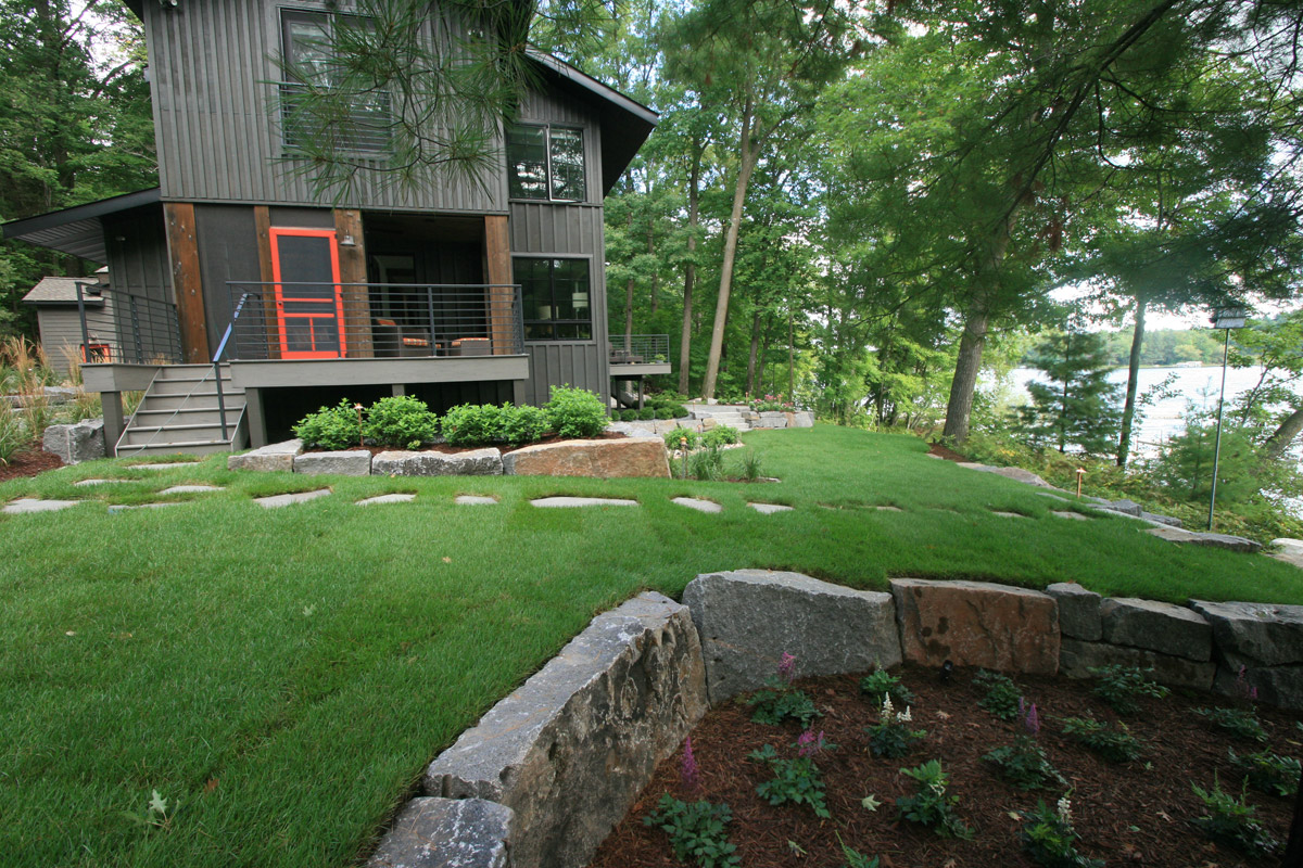 Wisconsin cabin Granite Natural Stone Slabs for Slight Retaining Wall